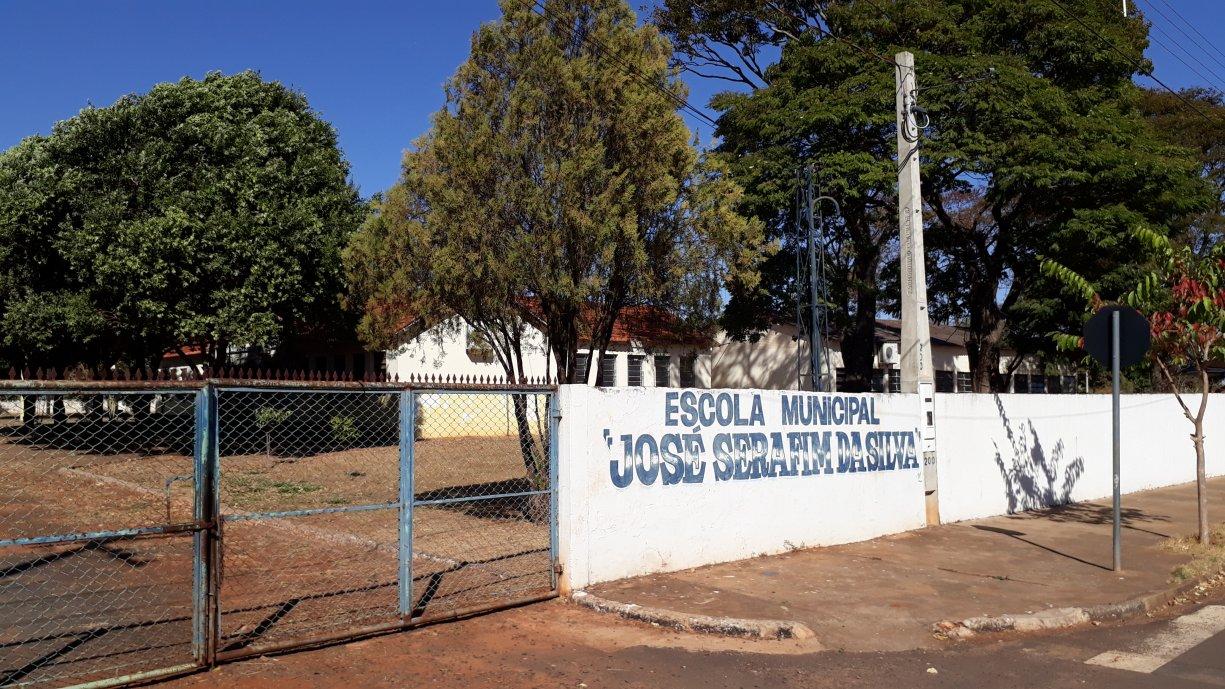 A Prefeitura começou os trabalhos de reforma na E. M. José Serafim da Silva no Bairro do Ecatu