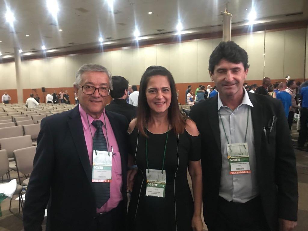 Prefeito Norair participou no último final de semana da cerimônia de transmissão do cargo de Governador do Estado de São Paulo e também do encerramento do 62º Congresso Estadual dos Municípios na cidade de Santos