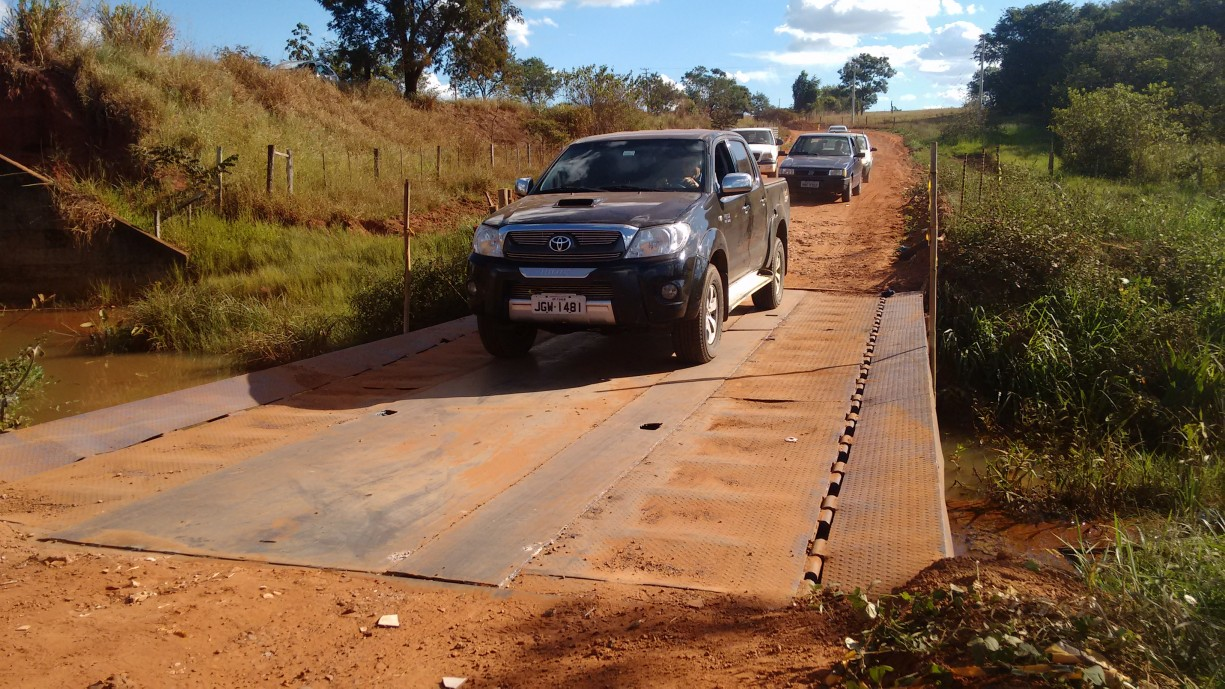 Ponte de metal no desvio da Rodovia Isidoro Saran passou por reparos esta semana e o trânsito no local já está liberado