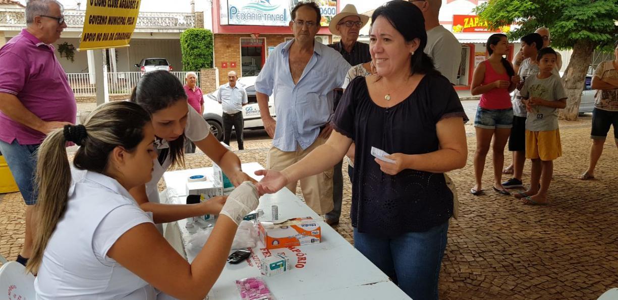 """Secretaria Municipal de Saúde participou do Projeto """"Cidadania em Ação"""" realizado pelo Lions de Tanabi no último sábado"""