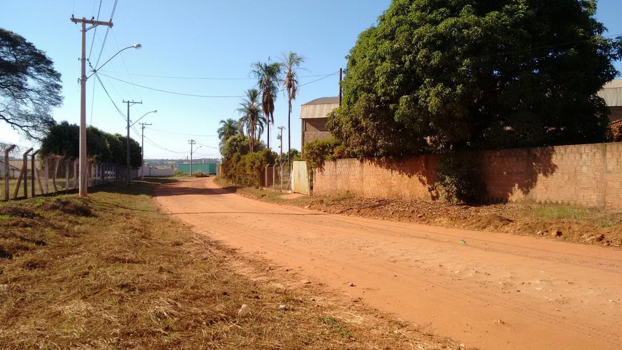 No último sábado, dia 05, Tanabi recebeu a liberação de R$ 600 mil reais para obras de pavimentação. Com esta verba o investimento feito este ano em Tanabi, por parte do Governo do Estado, já passa dos R$ 1,3 milhões de reais