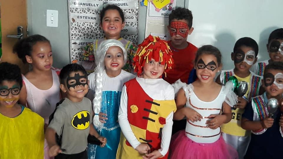 Secretaria de Educação realiza festa em homenagem ao dia das crianças nas escolas municipais