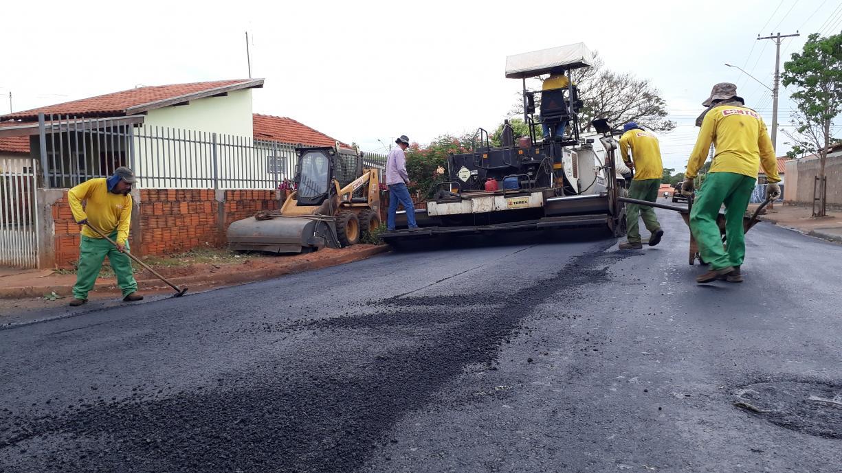 Prefeitura investe mais R$ 702 mil reais de recursos próprios do município e dá início na 3ª etapa das obras de recape asfáltico em diversas ruas de Tanabi