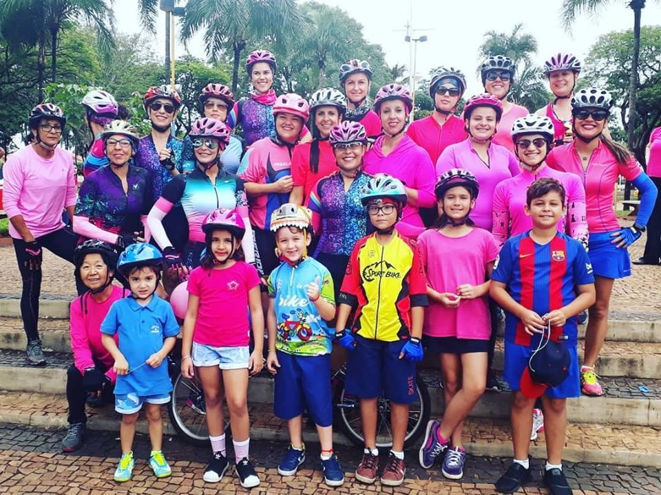 Saúde realizou no último sábado a 1ª Pedalada Urbana do Outubro Rosa e Novembro Azul