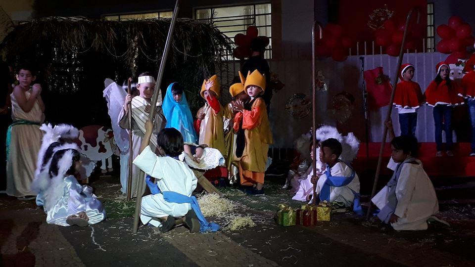 Ganot realizou ontem Cantata de Natal com seus alunos