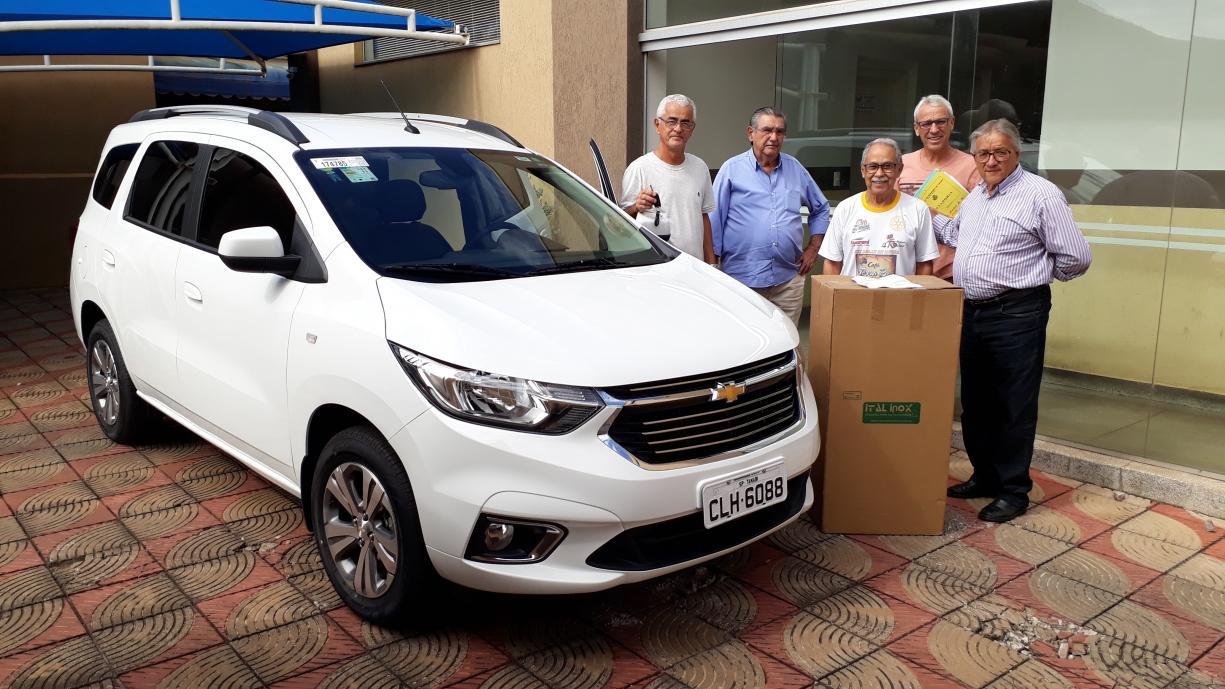 Lar São Vicente de Paulo recebe veículo 0 km que irá auxiliar nos trabalhos do dia a dia
