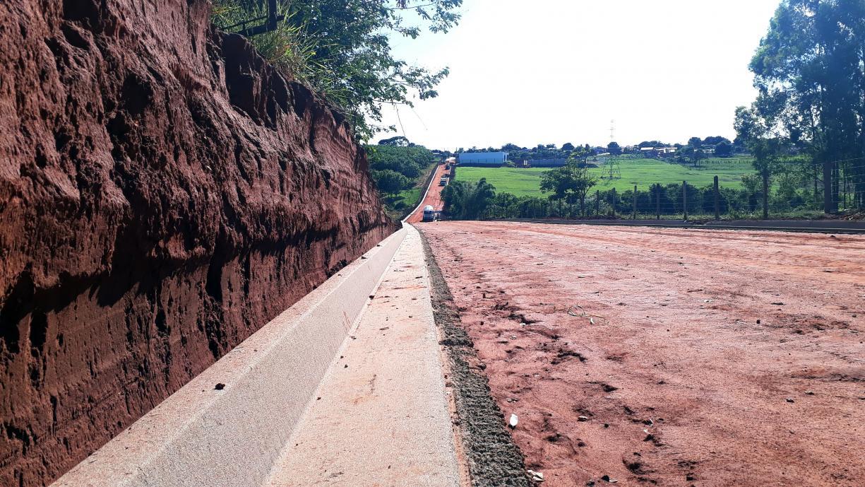 Prefeitura já está concluindo a construção das guias e sarjetas na Avenida José Vieira de Souza