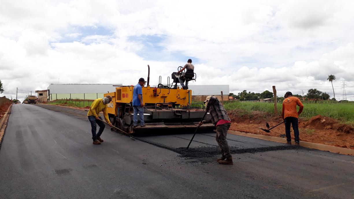 Trânsito liberado Prefeitura finaliza a pavimentação da Avenida José Vieira de Souza