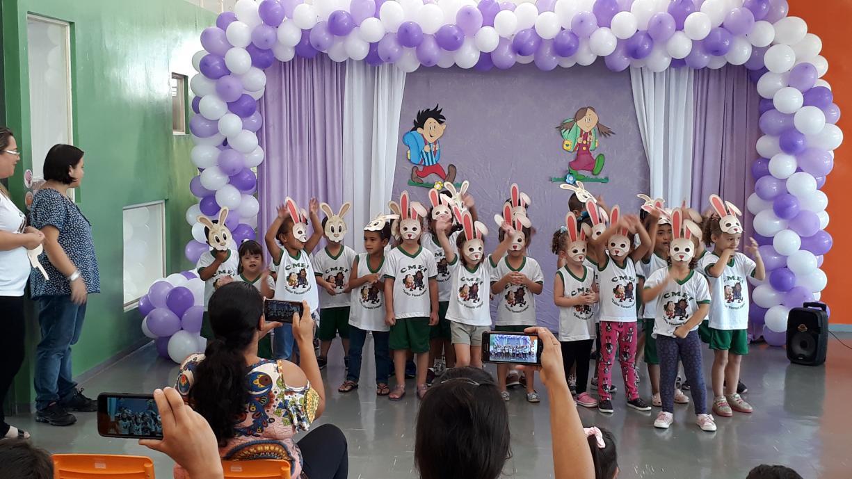 """CMEI """"Luíza Versuti Lopes"""" comemora o início de suas atividades"""