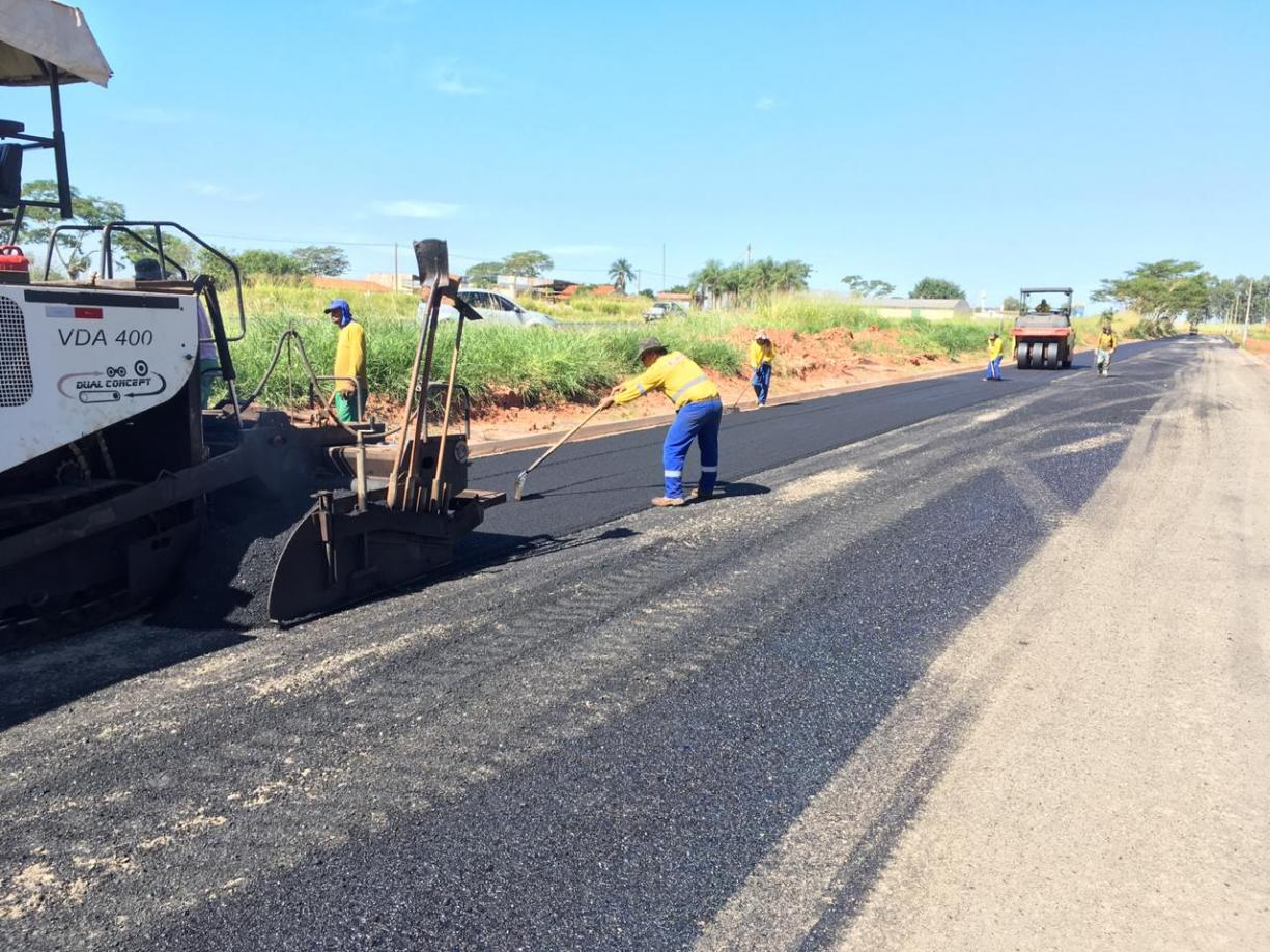 Prefeitura iniciou esta semana a pavimentação do primeiro trecho da Avenida Marginal Domingos Galego Dias