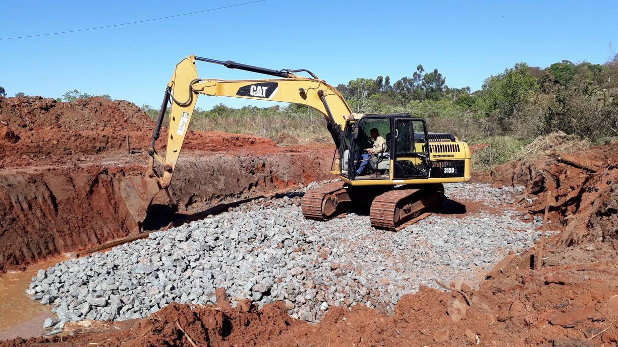 Obras de construção da nova ponte sobre o Córrego do Bacuri na Avenida Domingos Galego Dias já começaram