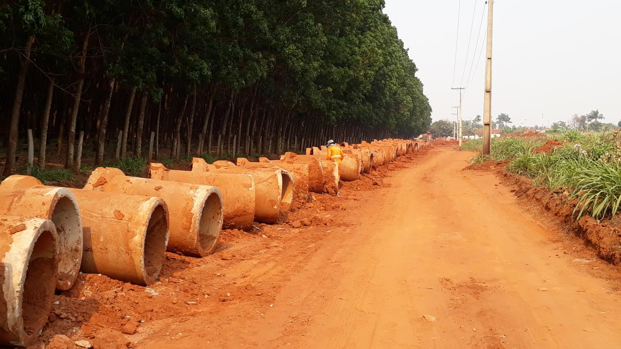 Prefeitura iniciou esta semana a construção da galeria de águas pluviais da Rua Amazonas, no bairro do Ecatu