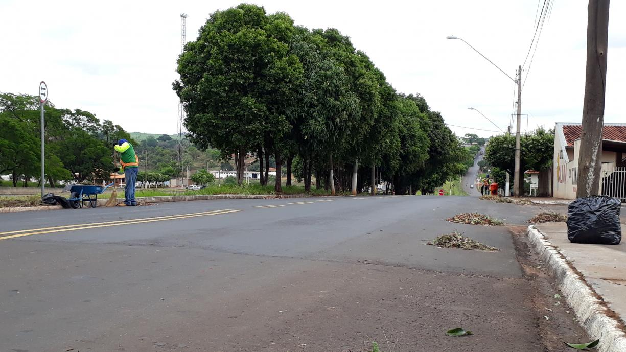 Prefeitura de Tanabi iniciou hoje um mutirão de limpeza que abrangerá toda a cidade