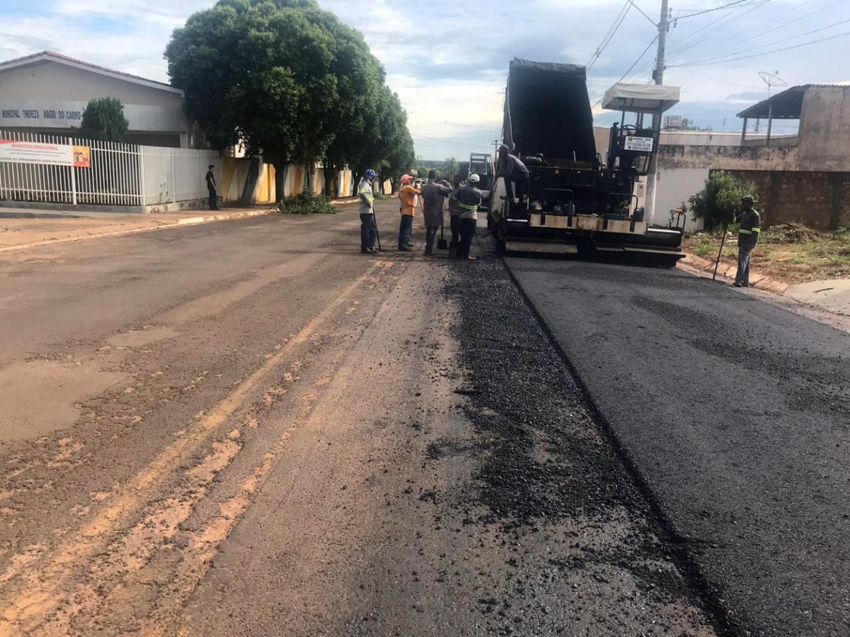 Prefeitura inicia recape na Avenida Antônio Lopes Cabrera