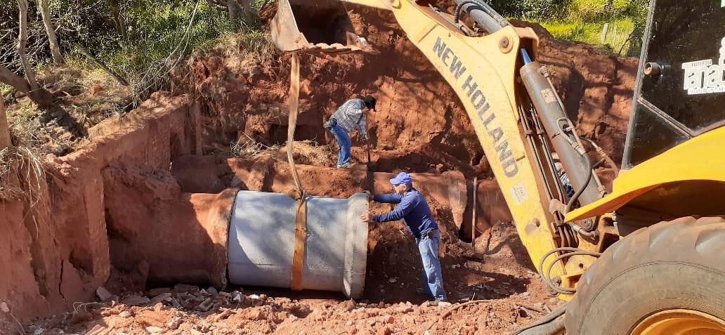 Linha de tubos danificada na estrada municipal do Mangue foi restaurada esta semana