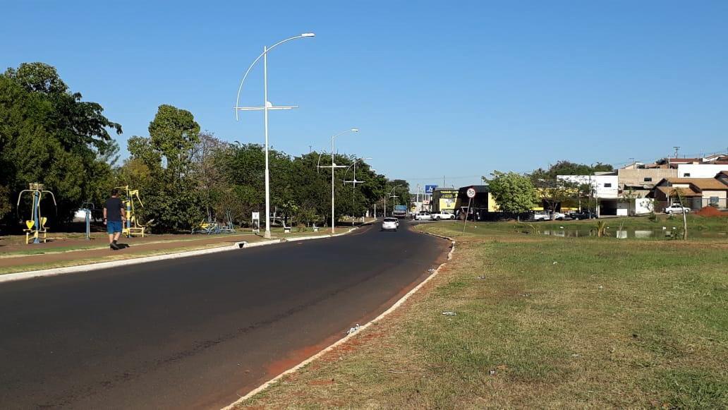 Furto de fios e cabos elétricos afeta iluminação da Avenida Diego Carmona Garcia