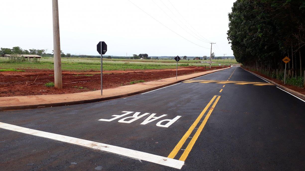 Pintura da sinalização de trânsito na Rua Amazonas, Bairro do Ecatu, foram concluídas
