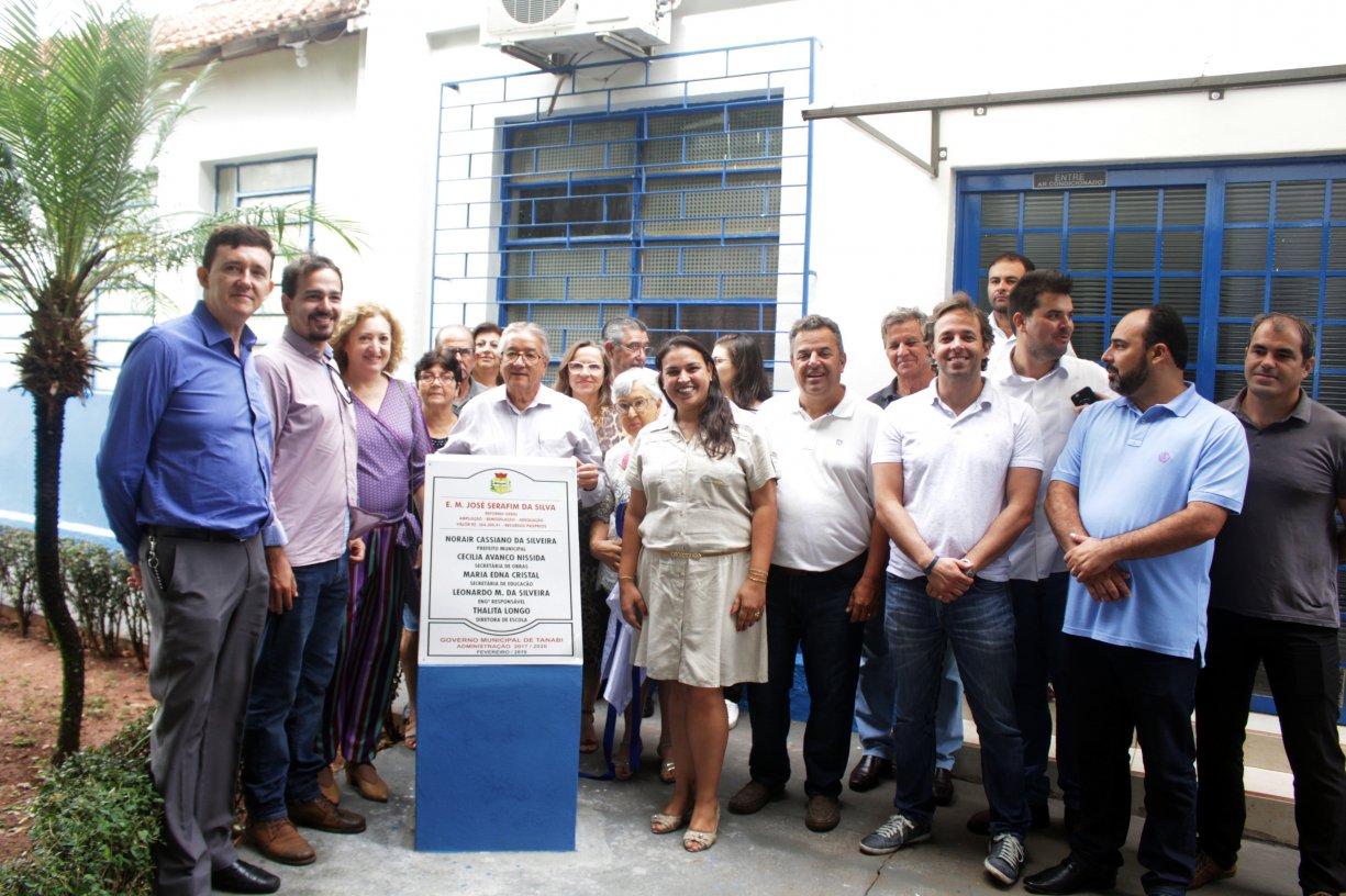 Escola Municipal José Serafim da Silva, do bairro Ecatu, é reinaugurada após reforma