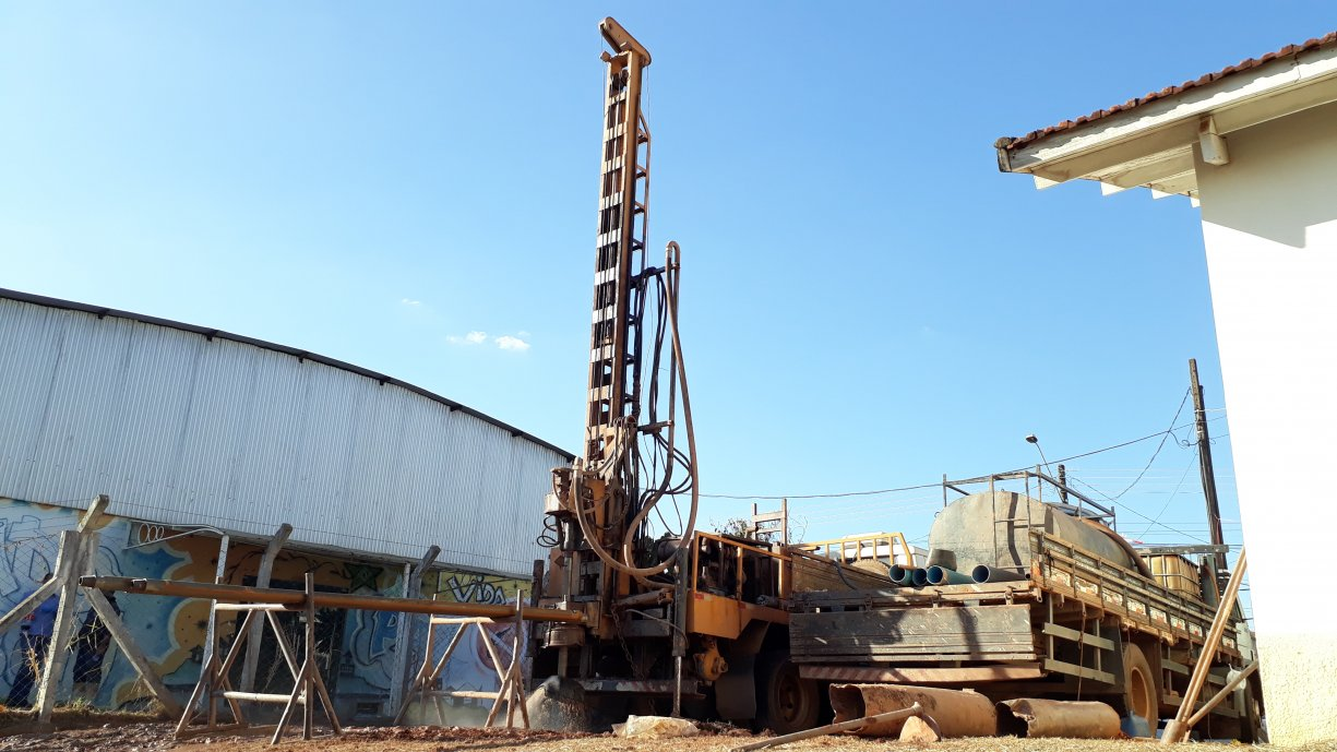 Prefeitura perfura novo poço artesiano na COHAB III