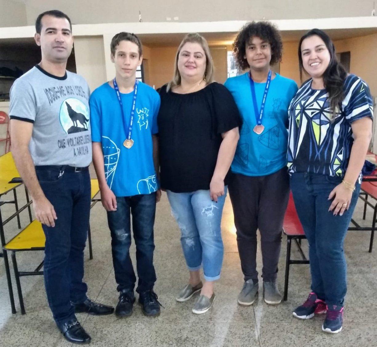 """Alunos da E. M. """"José Serafim da Silva"""", do bairro do Ecatu são premiados na OBMEP"""