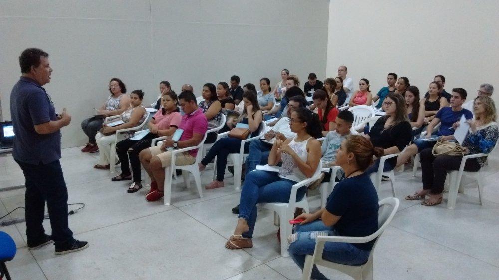 """Mais de 40 pessoas participaram da palestra gratuita """"Sei Vender"""" na última quarta-feira"""